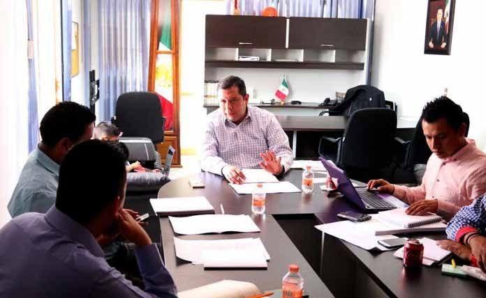 Avanzan las negociaciones para mejorar condiciones laborales de 500 trabajadores, Suttebam alcanzaría expectativas contractuales – Morelia, Michoacán, 04 de junio 2017.-Agremiados al Sindicato Único de Trabajadores del Telebachillerato en Michoacán ...