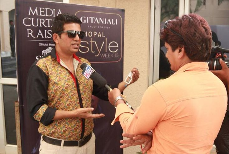 Addressing the media #BhopalFashionWeek #DesignerMumtazKhan