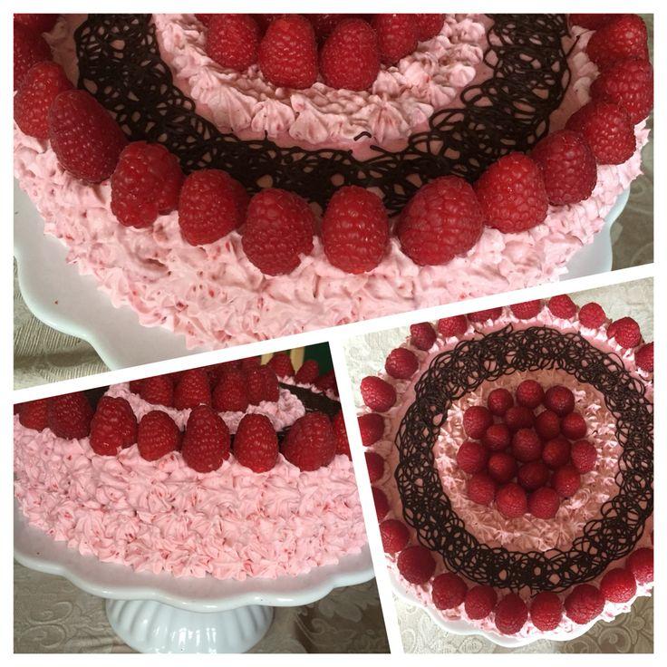 Cheesecake Brownie med hindbærskum