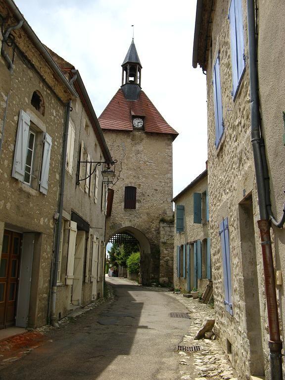 Villages et Terres de France : Charroux dans l'Allier-Auvergne