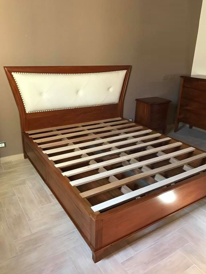 letto moderno, testiera con ecopelle, doghe in legno e cassetti