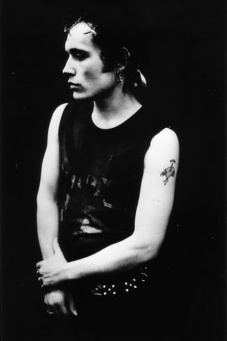 "Luv early punk photography...captured the ""mode"""