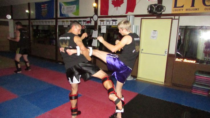 Muay Thai Kickboxing class.