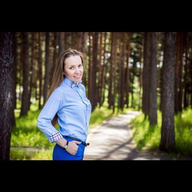 #mulpix  #бабочка  #фотосессия  #друзья  #семья  #сестра  #photo  #подарок  #sister  #love  #present  #bowtie  #forest  #лес  #tree  #деревья  #природа  #nature  #рубашка  #волосы  #hairs  #women  #girl  #watch  #часы
