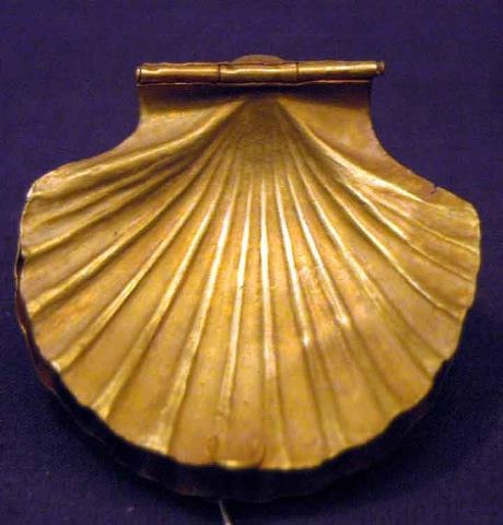 This golden seashell container, was discovered in the unfinished funerary complex of King Sekhemkhet, to the southwest of Zoser's step pyramid, 3rd Dynasty, Old Kingdom.