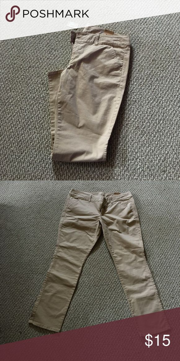 Plus Size Skinny Khakis NWT! Size 18 REG American Eagle Outfitters skinny khaki leggings. Double button 40 inch waistband with a 32 inch inseam. These are great pants - they just don't fit me.  They are packaged and ready to ship! American Eagle Outfitters Pants Skinny
