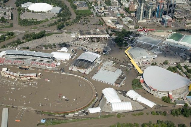 My love goes out to everyone affected by the yycflood, I'm so sad to hear about the stampede grounds but the show must go on! http://beaubrooksbullrider.blogspot.ca/