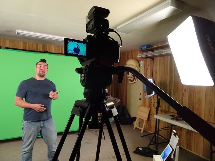 Spanish lesson promotional green screen shoot. Video production / Post production services (416) 274-1265 www.varietystoreproductions.com #videoeditingmarkham #videoproductionmarkham #torontovideoproduction #markhamvideoproduction #cinematographertoronto #varietystorepro