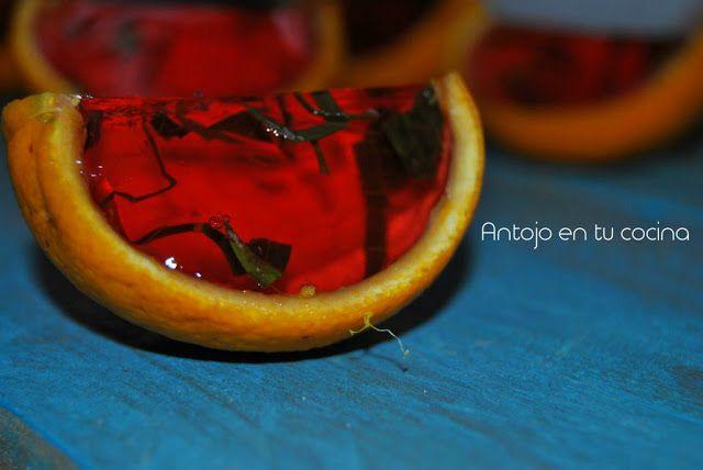 Chupitos de gelatina: ron, fresa y albahaca - Jello shots: rum, strawberry and basil