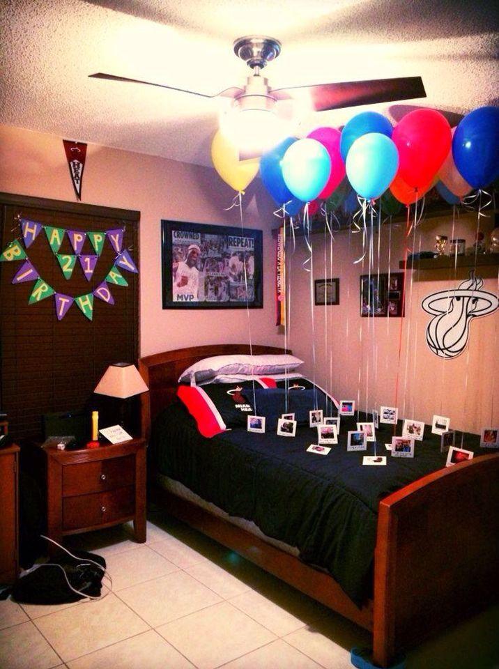 Cuartos con globos para festejar un cumpleaños