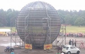 12 Death loops in the biggest cage in the world!