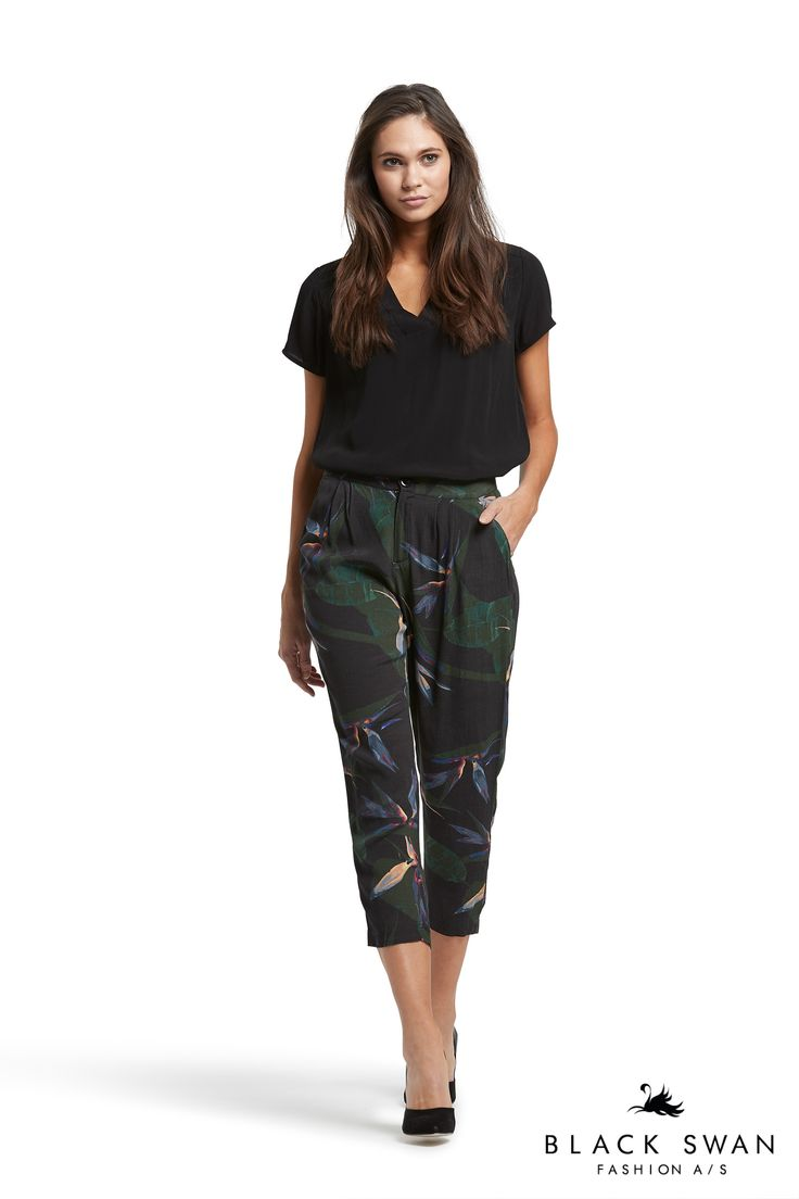 Dressy pants with black and green print and lovely black top. Black Swan Fashion SS17