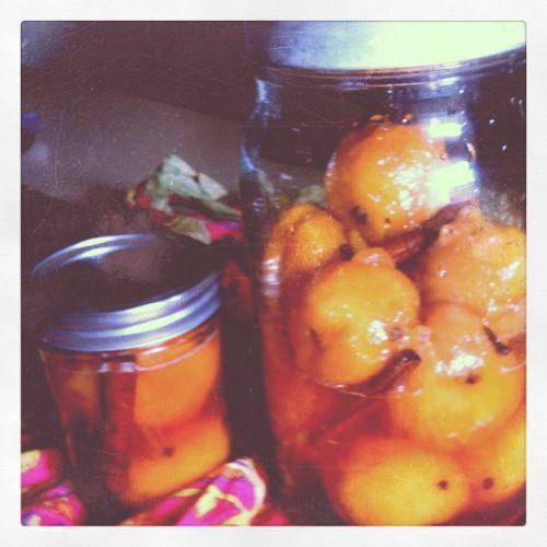 nana's pickled peaches