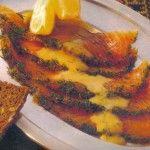 Carpaccio di salmone con salsa all'aneto.