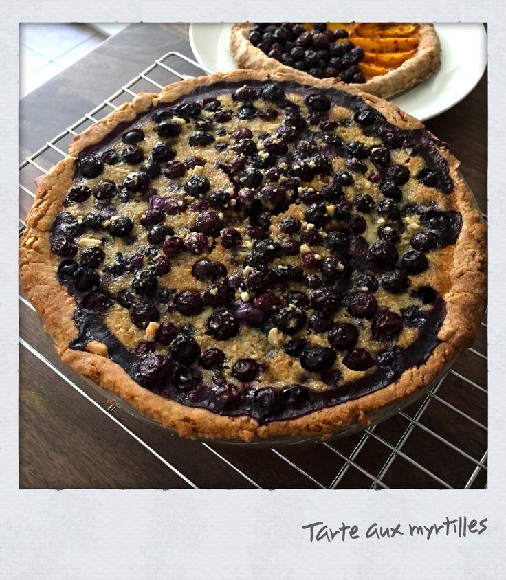 Blueberry pie à l'Alsacienne with a little almond powder.
