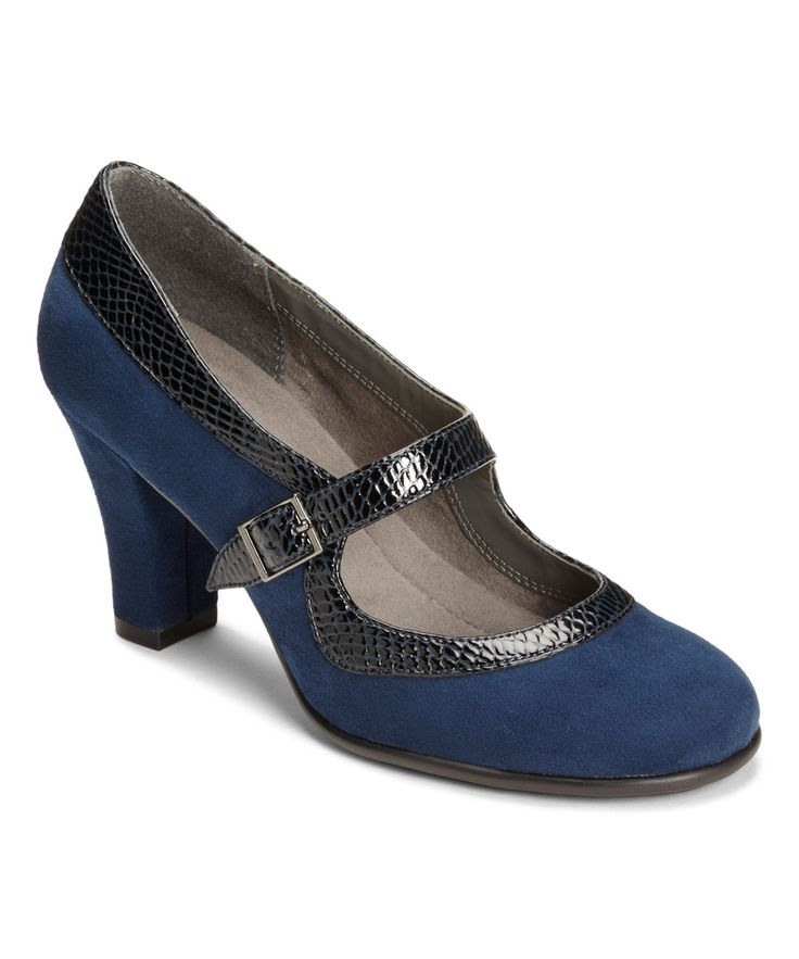 Great navy shoes. Nice heel height. these are nice if I have to wear shoes at all