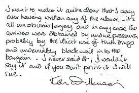 English handwriring.  The author calls it 'vertical slant'.