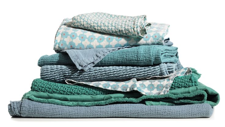 Society Limonta | Bath linens in cotton and linen, blue acquamarine and turquoise  www.societylimonta.com