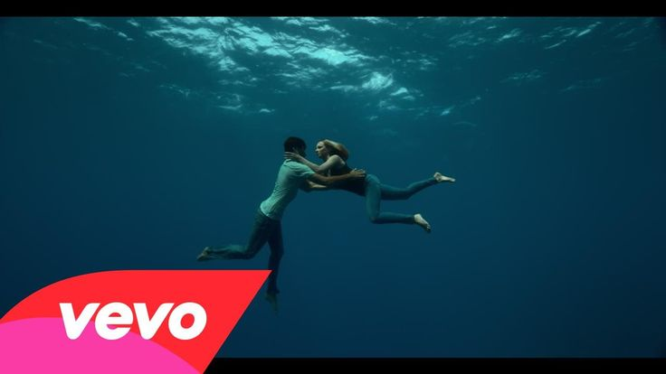 Naughty Boy - Runnin' (Lose It All) ft. Beyoncé, Arrow Benjamin probably one of the most beautiful underwater music video I have ever seen