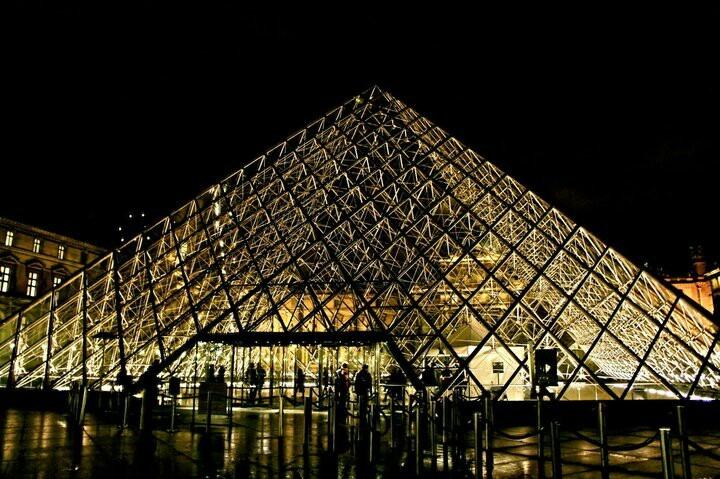 Louvre pyramyd