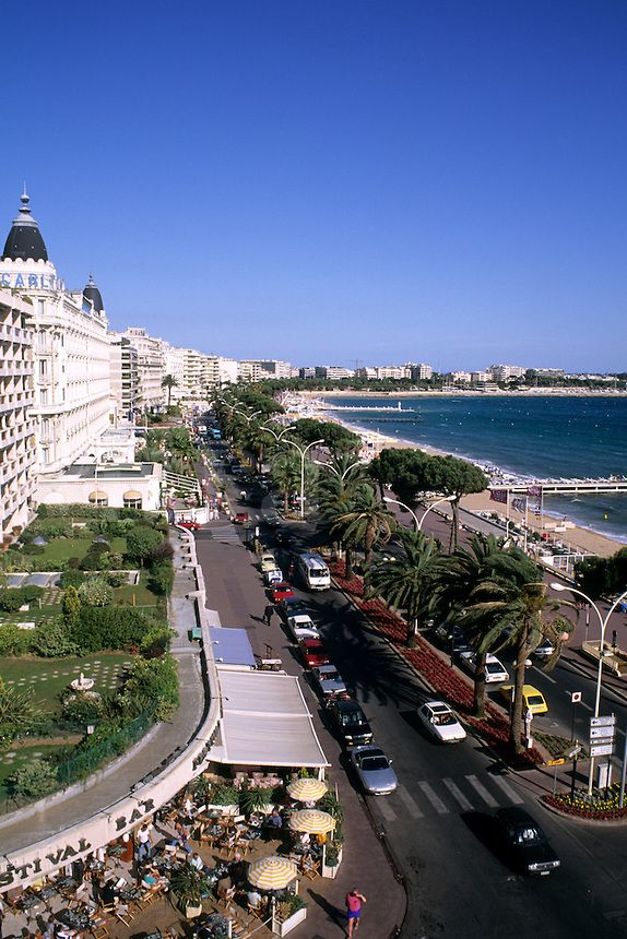 Scenic Boulevard La Croisette in Cannes, France