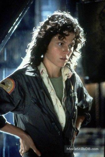 Alien (1979) Sigourney Weaver
