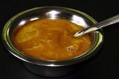 ¿Quieres probar con un buen truco para solucionar tu pelo seco? Prueba con esta mascarilla de aceite de coco y miel.