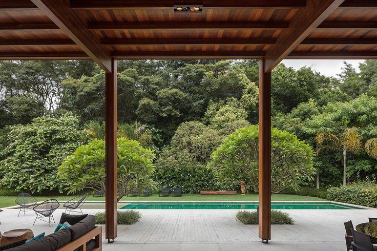 Casa Contemporânea em São Paulo por Jacobsen Arquitetura 006 Varanda