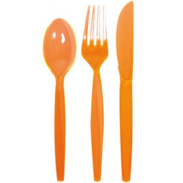 Ook het eten tijdens het WK doen we met Oranje bestek.Dit plastic wegwerp bestek is ideaal te combineren met onze oranje wegwerp bekers https://nl.pinterest.com/pin/311803974182553590/ en oranje borden https://nl.pinterest.com/pin/311803974182553569/ Vlaggenclub heeft nog veel meer vrolijke, originele Oranje versieringen en feestartikelen.