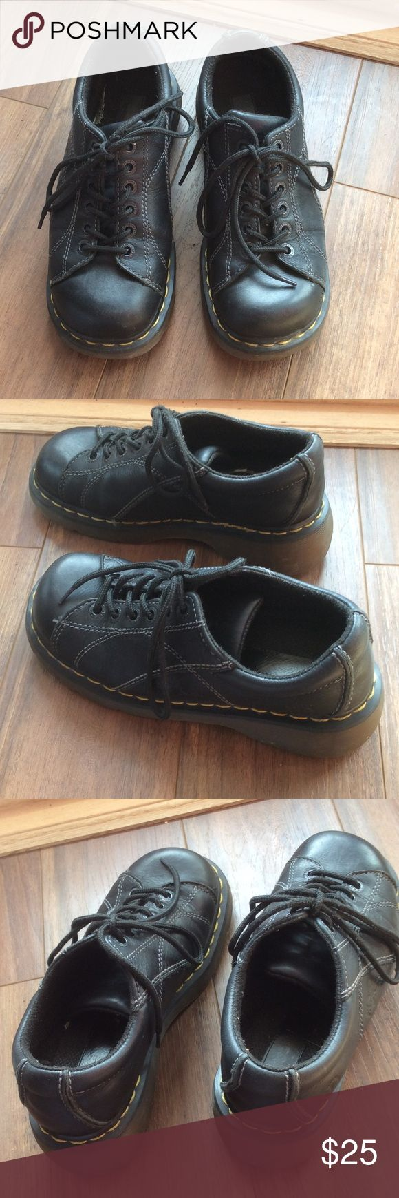 Dr Marten size 39 Good pre owned condition! Really comfortable. Size label says U.K 6, Euro 39, US 8. They run like an 8 1/2 U.S. Dr. Martens Shoes Flats & Loafers