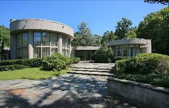 Whitney Houston's Former Home in New Jersey