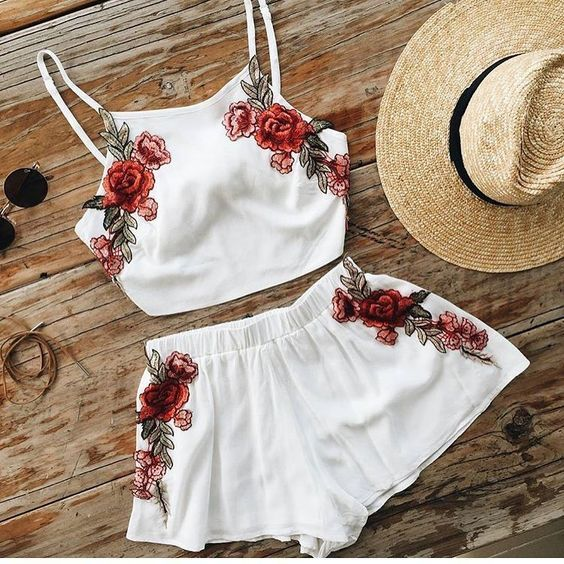 Embroidery Rose Random Floral Print Cami & Shorts Set in White