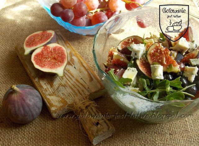 Gotowanie jest łatwe: Sałatka owocowa z serem pleśniowym