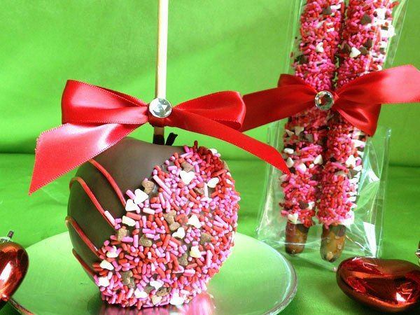 Valentines day party candy apples