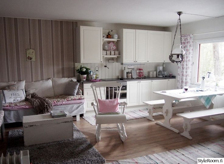 keittiö,maalaisromanttinen,mökki,tupa,tupakeittiö  kesamokki  Pinterest  V