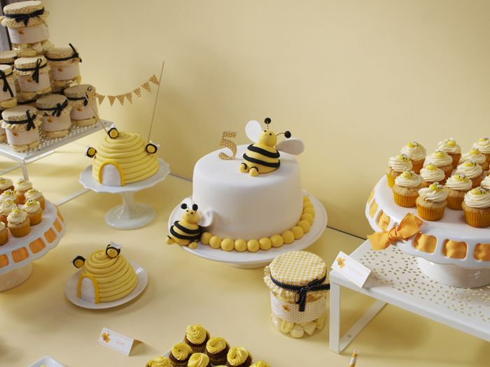 """Fantastic bumble bee themed dessert table. We love this for a gender reveal """"what will it bee?"""" baby shower.: Baby Parties, Baby Bees, Bees Parties, Bees Theme, Parties Ideas, Bumble Bees, Honey Bees, Bees Cakes, Baby Shower"""