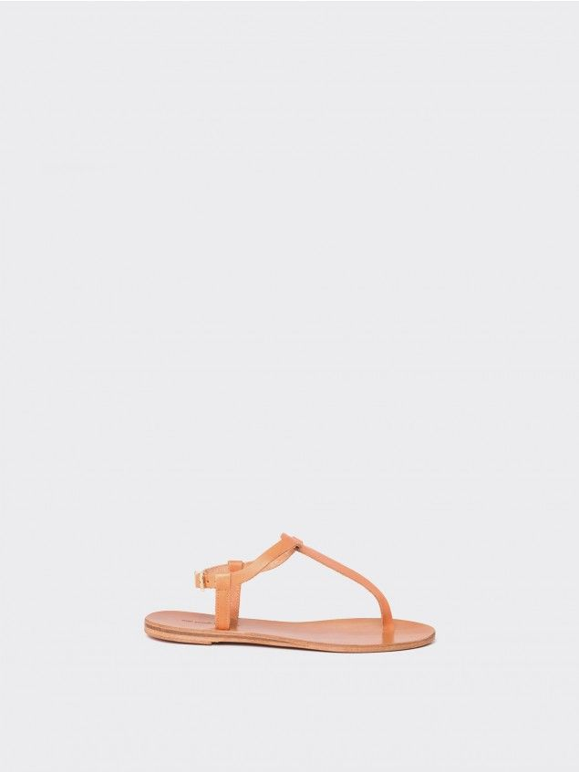 Grekoa Natural Sandals //