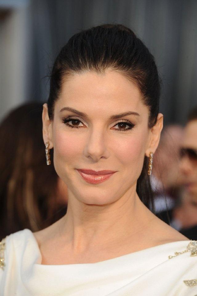 Pictures & Photos of Sandra Bullock - IMDb