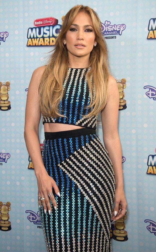 Jennifer Lopez e Ariana Grande se destacam no Radio Disney Music Awards 2015