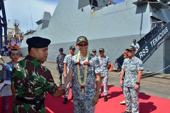 Rangka Kunjungan Kehormatan, 2 Kapal Singapura Merapat Di Tanjung Priok