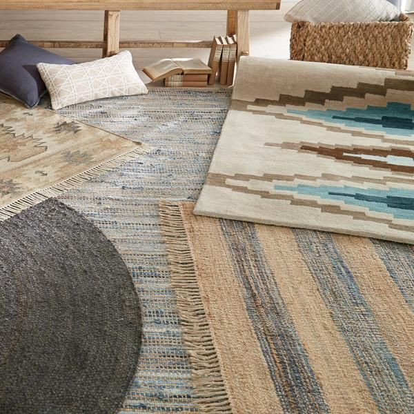 Infuse your home with subtle Southwestern style with our jute and wool patterned rugs.