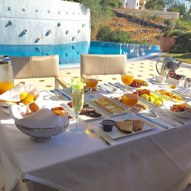 Enjoy a healthy #HellenicBreakfast! #EloundaGulfSuites #EGV Photo credits: @sophiakhan92
