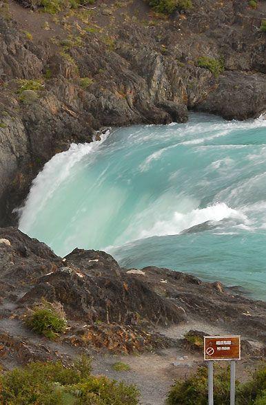 Puerto Natales. Torres del Paine.