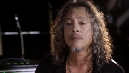 """METALLICA's KIRK HAMMETT: MOTÖRHEAD Made Me Realize It Was Okay To Be An Outsider METALLICA's KIRK HAMMETT: MOTÖRHEAD Made Me Realize It Was Okay To Be An Outsider        METALLICA  guitarist  Kirk Hammett  has released the following statement to  RollingStone.com  regarding the passing of  MOTÖRHEAD  mainman  Lemmy Kilmister :        """" Lemmy  was the finest of gentlemen.        """"Back in 1979 when I was 16 years old I heard  'Overkill'  for the first time. I thought it was the fastest thing…"""