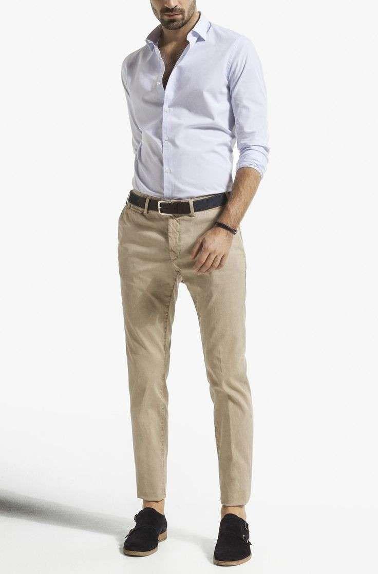 Come abbinare i pantaloni beige da uomo - Camicia bianca e pantalone beige