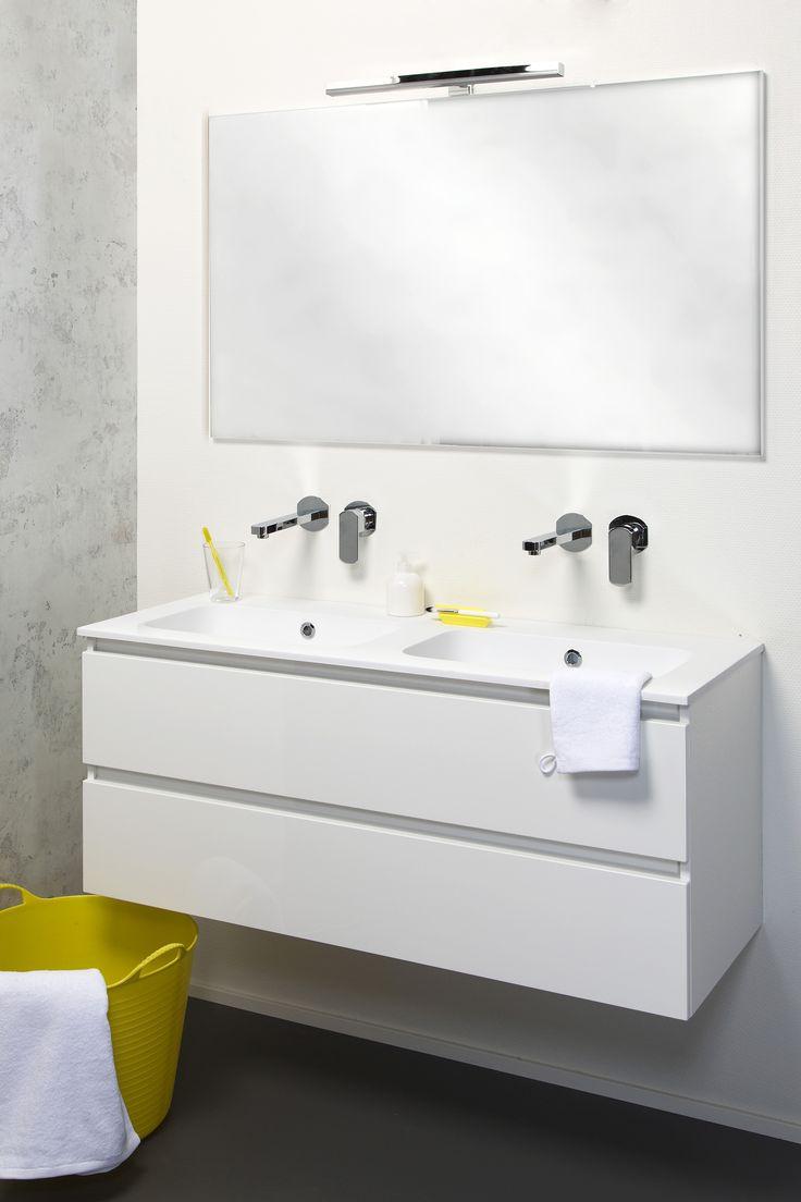 Badkamermeubel lavanto allasio in hoogglans wit met solid marmo wastafel dit meubel voor de - Badkamer met wastafel ...