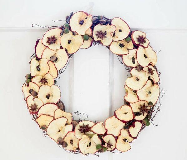 couronne de porte automnale originale avec des pommes coupées ...
