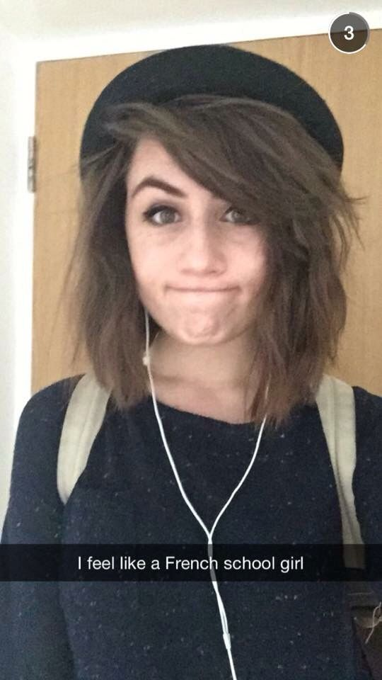 Dodie Clark. She is an amazing youtuber and I also love her hair. << agreed