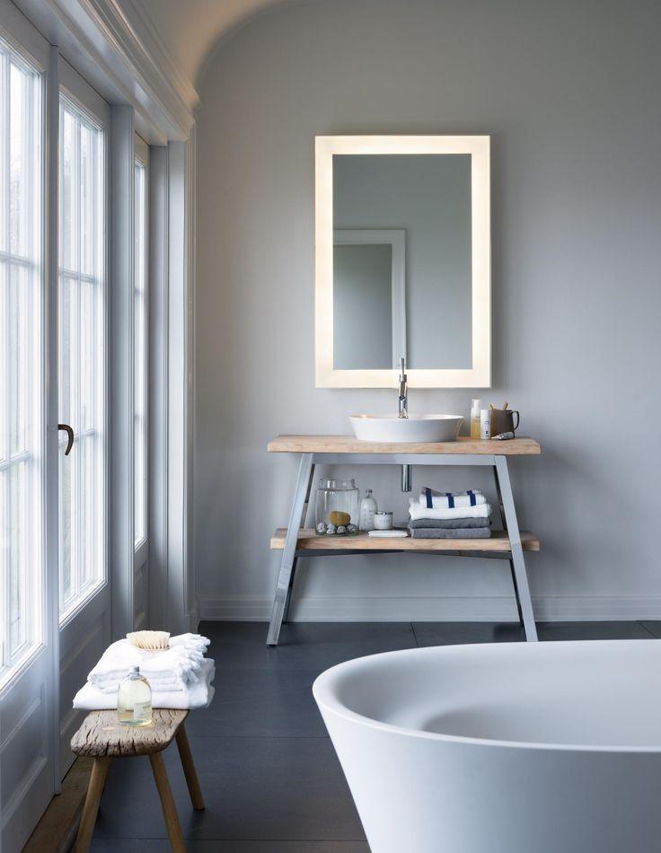 Modernes Badezimmer Mit Schlichter Einrichtung #badezimmer #bathroom  #interiordesign #einrichtungsideen