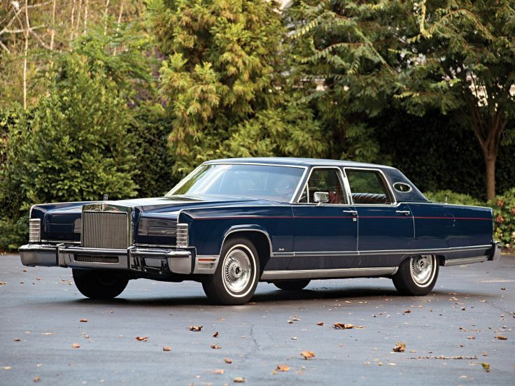 1976 Lincoln Town Car ♡ my husband had the Grey Cartier edition it geez I loved that car